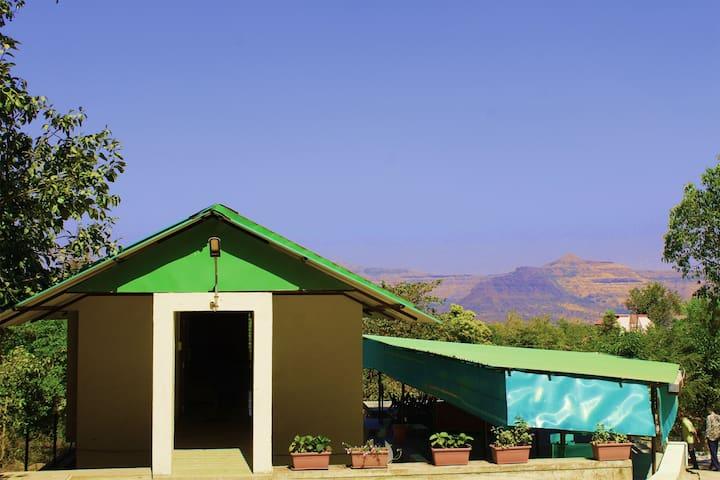 Holiday Homes in Girivan