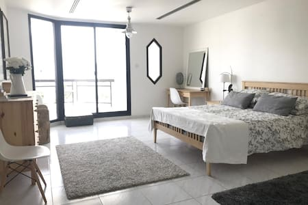 Large, light and airy villa off the beach. - ドバイ - 別荘