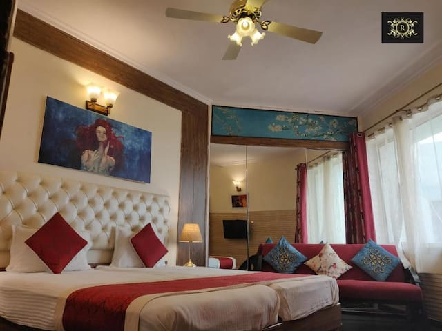 Luxury Suite Room Near C.P./ India Gate