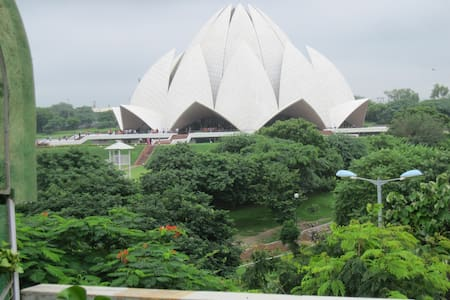 Unique Ind. South Delhi Apt. facing Lotus Temple - New Delhi