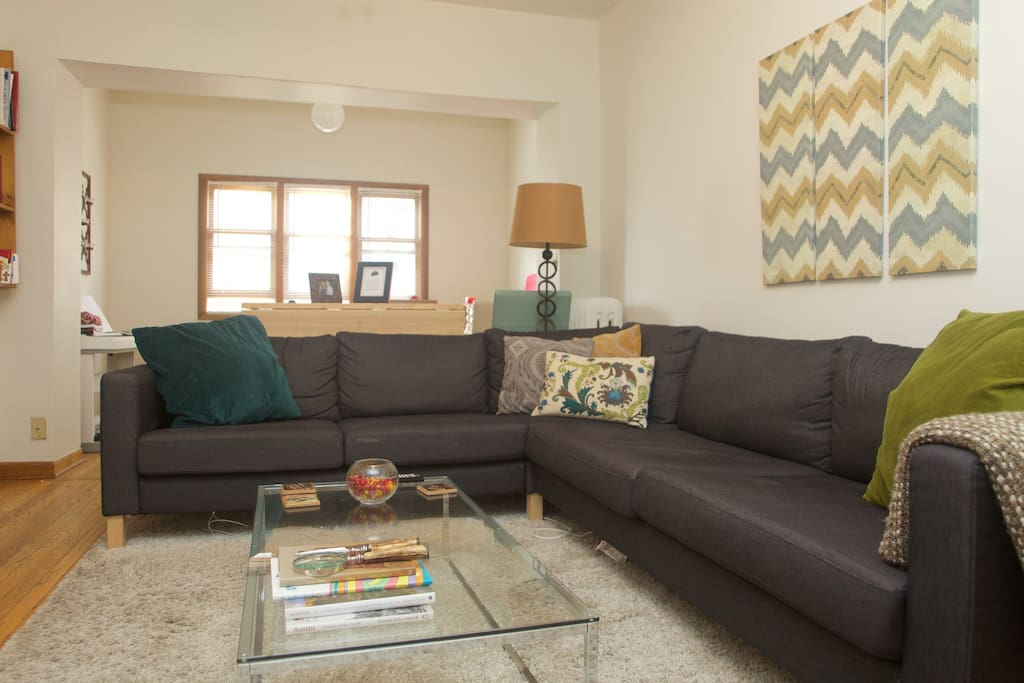 Spacious 1 Bedroom In Lakeview Apartments For Rent In Chicago