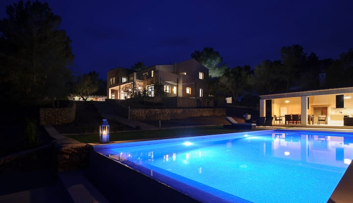 Villa Pins, Nueva casa a Estrenar