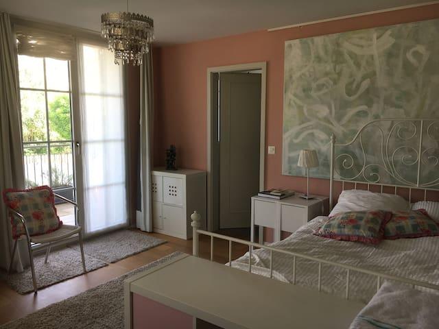 Zimmer in Familienhaus
