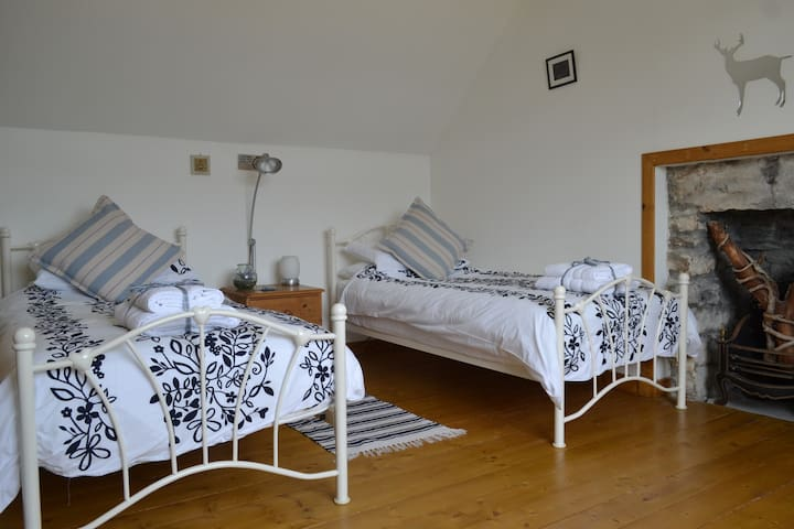 Airy twin bedroom