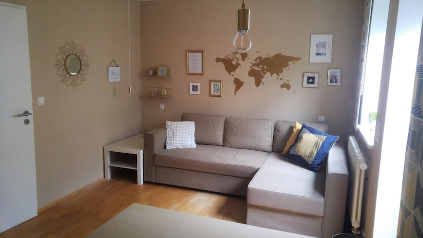Cosy room in a modern house, near town centre