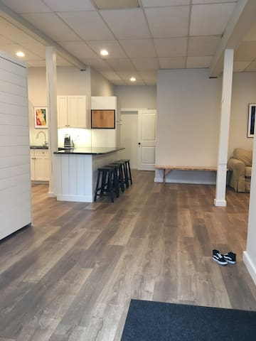 newly renovated condo 10 minutes to Sugarloaf