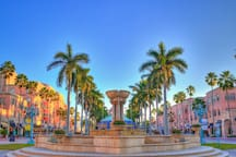 Mizner Park, which has great shopping, restaurants and bars is 7 blocks away