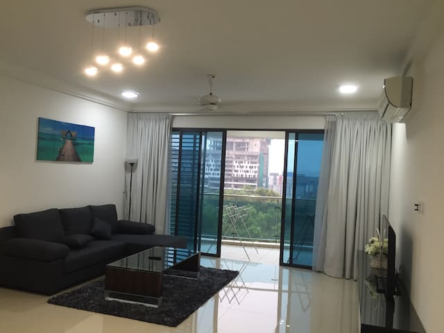 Big apartment good for family stay - Dengkil