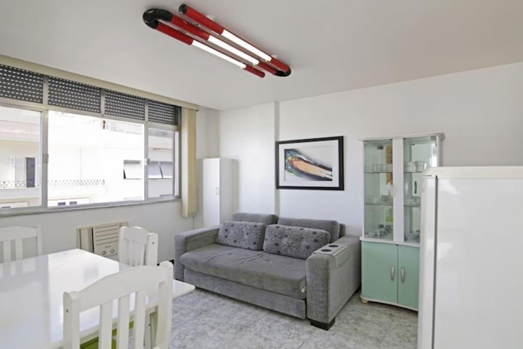 Livingroom & Dinning Area