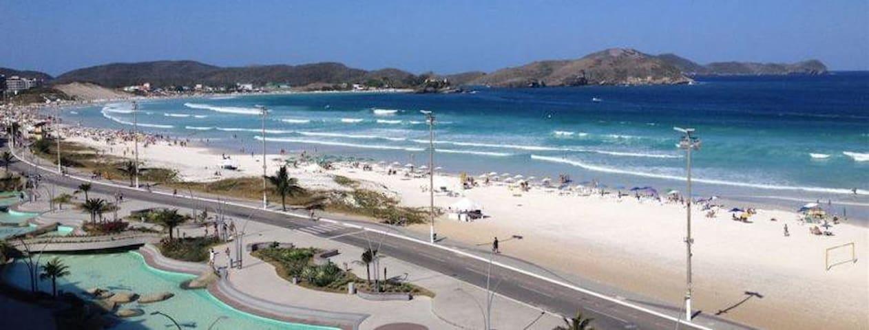 Quarto -sala / kitinet  em Cabo Frio, centro .