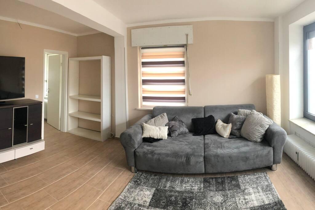 komplett m blierte wohnung nahe xanten wohnungen zur miete in xanten nrw deutschland. Black Bedroom Furniture Sets. Home Design Ideas