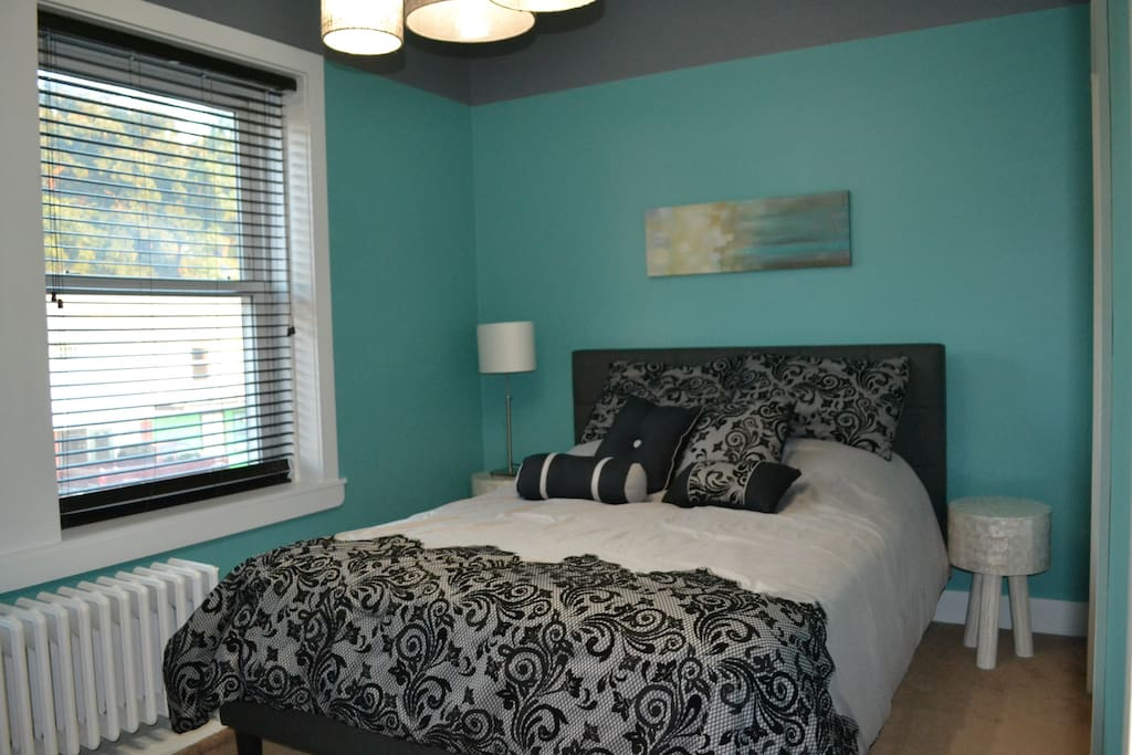 Brand-new Room and Board queen bed, mattress and bedding (and in the whole apartment too)