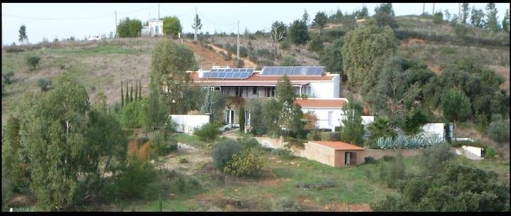 Hillside House at Vale Ferro