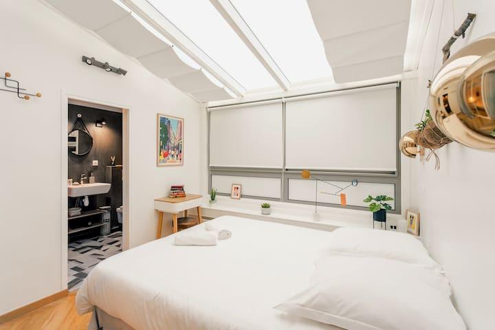Master room 3 with bathroom and veranda