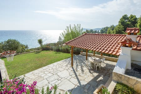 Villa Aris, family friendly apartments 2 - Kaloutsikos - Byt