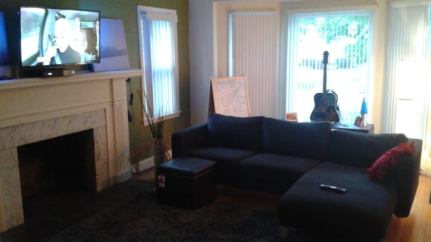 Conveniently located Detroit Home - Detroit - Rumah