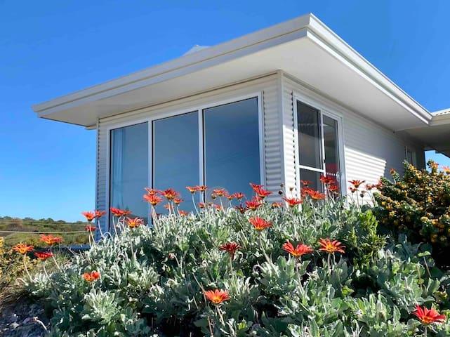 Blue Haven Shell Studio/Tiny House