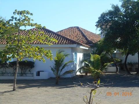 Casa Blanca Tecolapa Beach