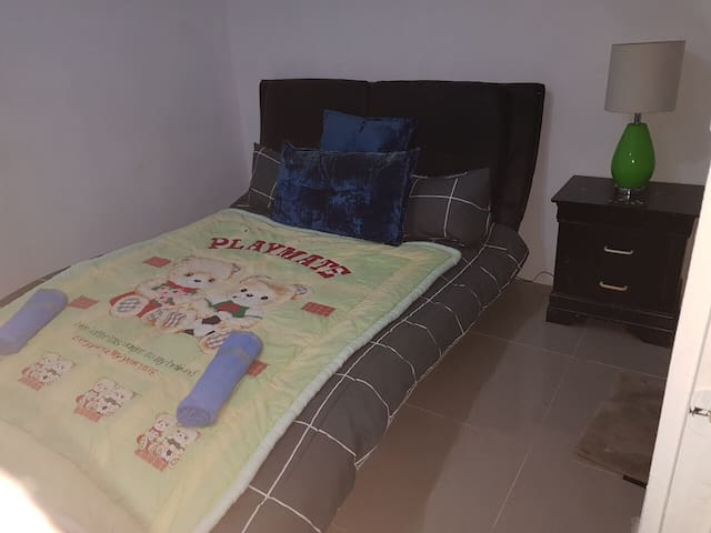 Apt 2. Cheap accommodation ideal for group booking