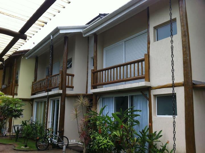 Linda Casa em Camburi !!