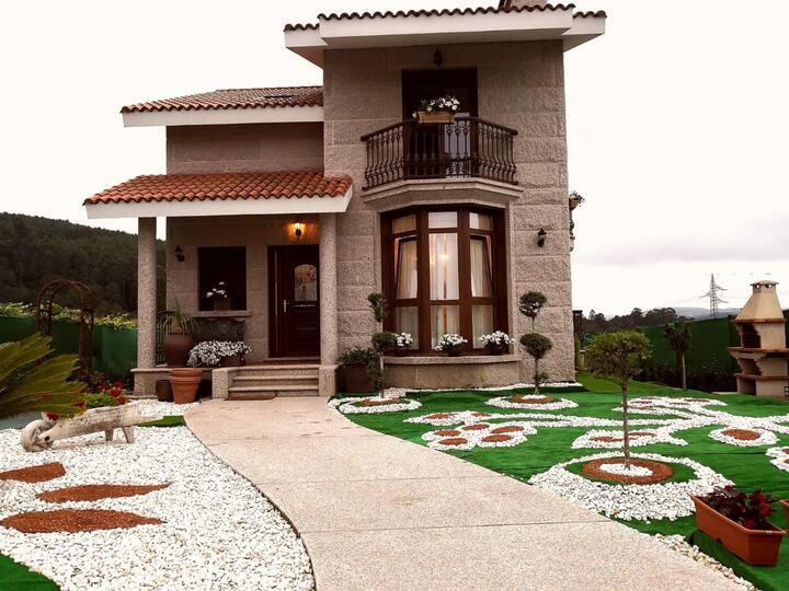 Casa acogedora con piscina y barbacoa