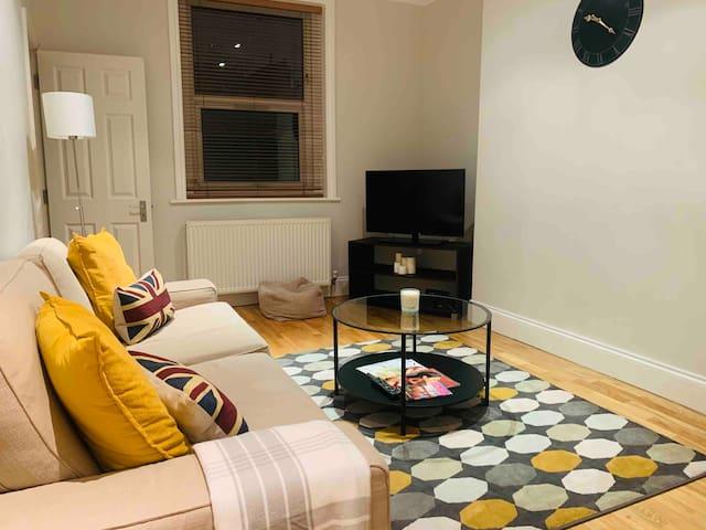 Modern flat  in Bayswater/Queensway/Hyde park!