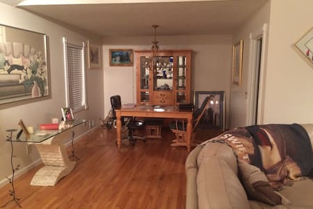one bedroom with separate bathroom - Duluth