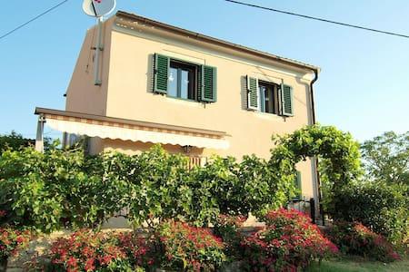 Mala Kuća - Ferienhaus für 2 - Bale - Casa