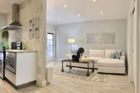 LUXURY 1 BED, PARKING/CLEANING INCL - Miami Beach - Apartament