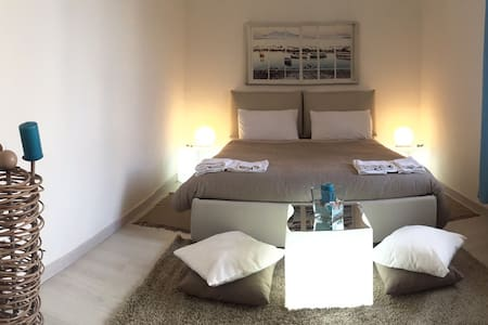 Central, Beautiful and Comfy Room - Naples - Leilighet