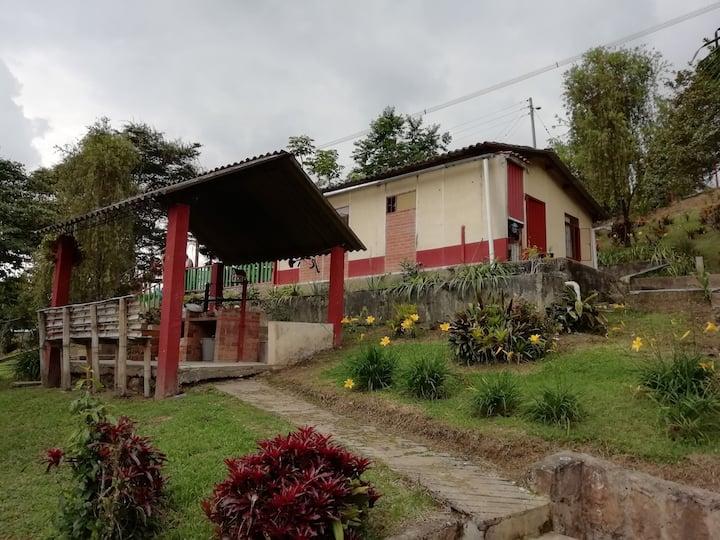 Granja para descanso Colombia Fusagasugá.