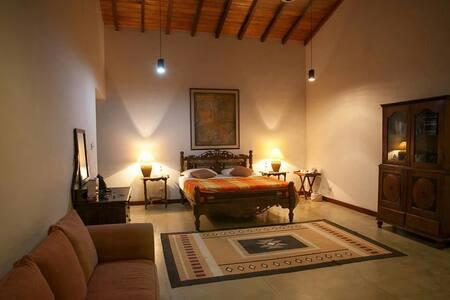 Subashri - Master suite - Digana - Villa