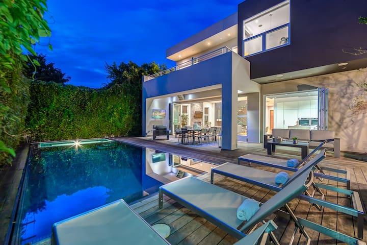 Beverly Grove Villa D