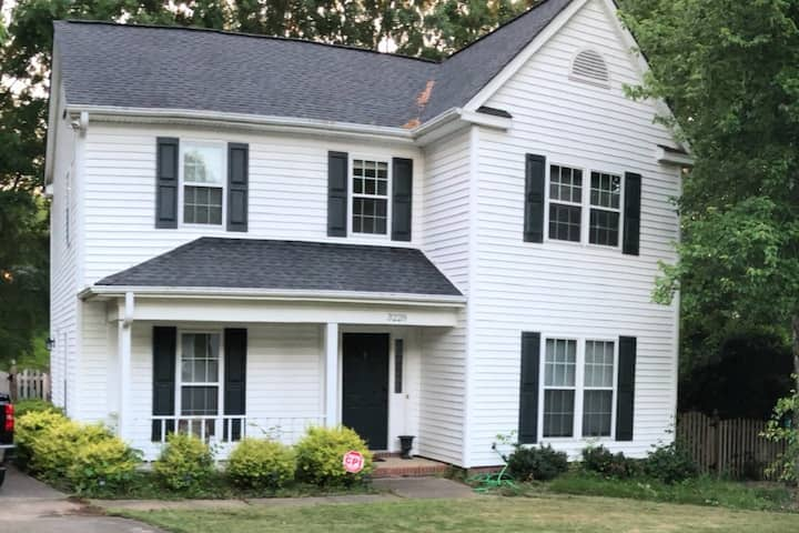 Queen City Private Home - Minutes From Uptown