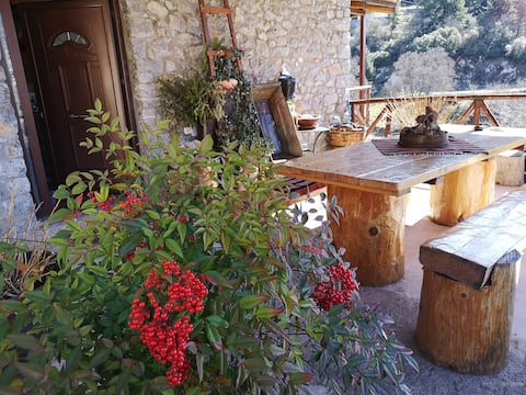 Mainalo Mountain-Traditional Eco House