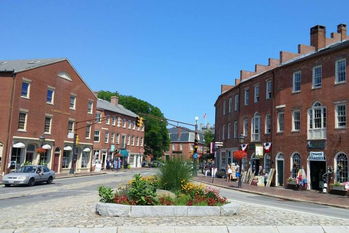 Newburyport shops showcase local artists' skills - many local artisans offer classes - perhaps you could learn to paint, make jewelry, or ...