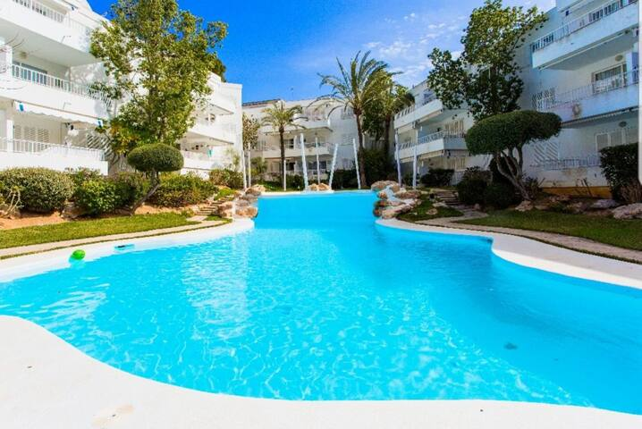 Beautiful apartment with pool in Santa Ponsa