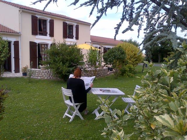 Le Marais Pacaud - Chaillé-les-Marais - Casa de huéspedes