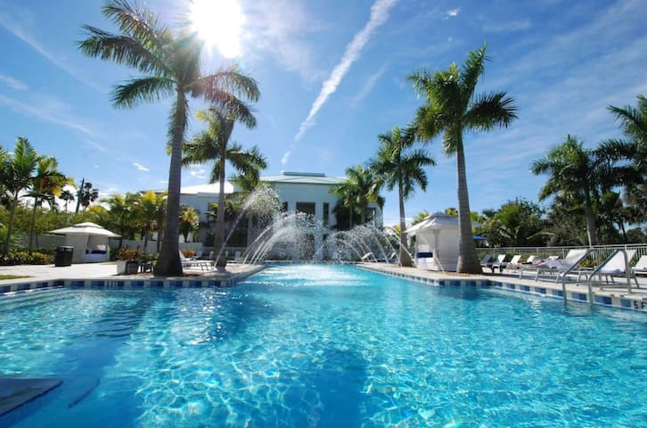 Very Incredible House in Doral Miami