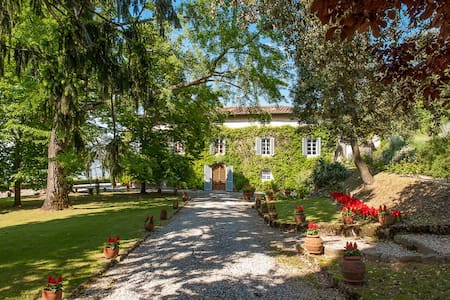 Historical villa on the hills of Lucca - Capannori