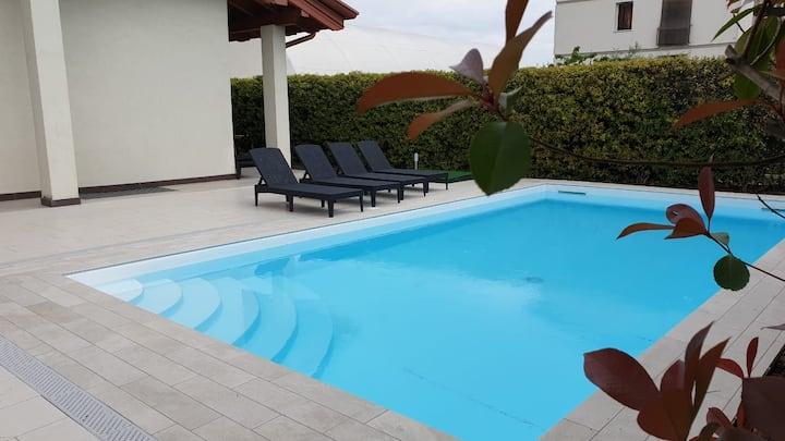 Villa indipendente con piscina ad uso esclusivo