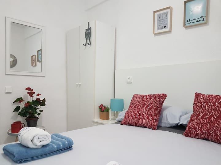 2. CENTRIC SMALL ROOM - MERCADO CENTRAL