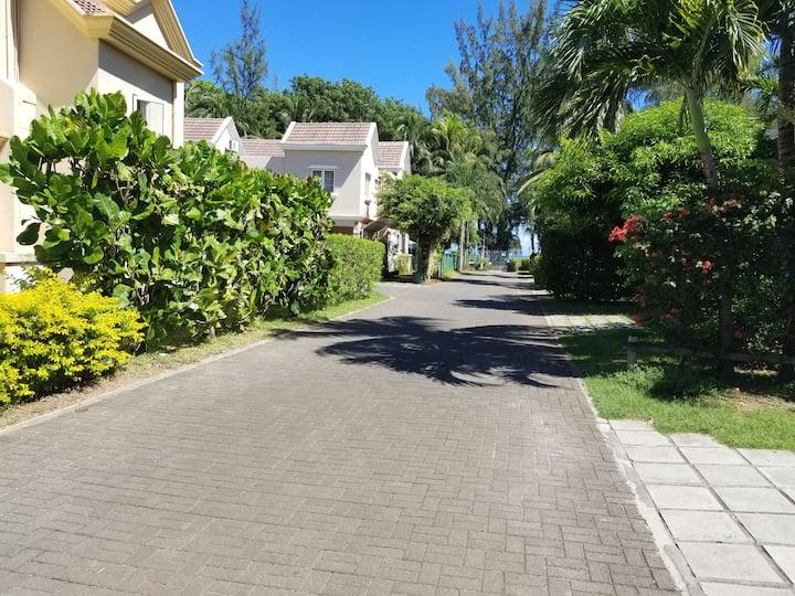 42 A,Gold coast Villa Coastal Road.Flic en Flac