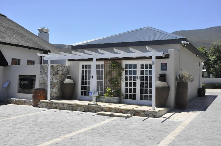 Lizettes - The Old Stable - Cottage - Hermanus - Appartement