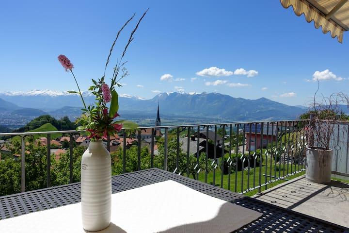 Spacious Apartment with amazing views!