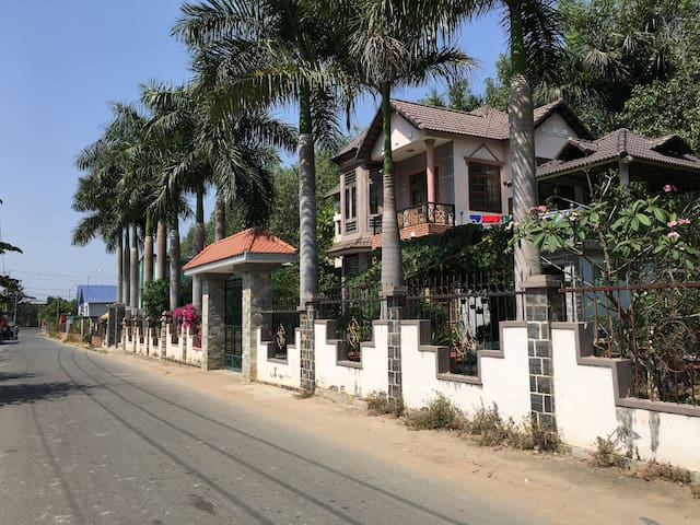 Entire villa, 30mins from HoChiMinh - Long Phước - House