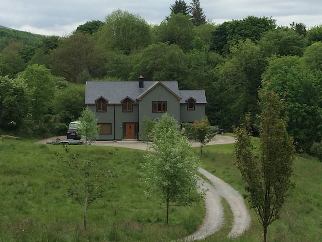Family Room close to Kenmare - Kenmare - Huis