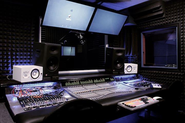 High end Recording Studio