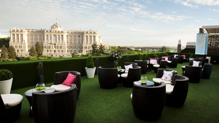 Apart-Hotel Jardines de Sabatini***