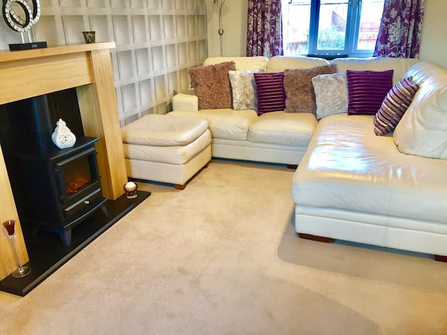 Comfy & cosy lounge area....